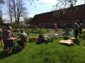Vår trädgårdsloppis en strålande vacker vårdag