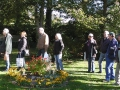 Pomolog Inger Hjalmarsson hjälper oss att bestämma äppelsorten den 11 oktober.